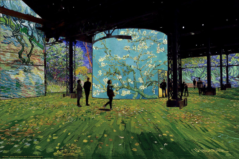 La nuit étoilée de Van Gogh à l'atelier des lumières